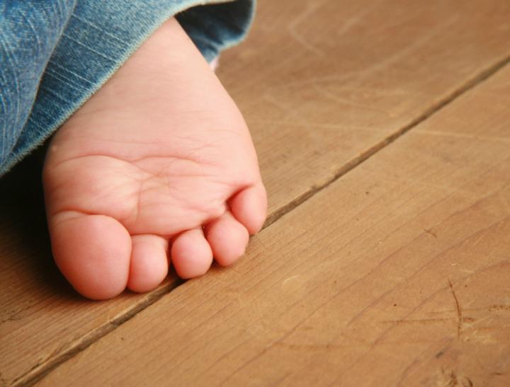 baby feet FI