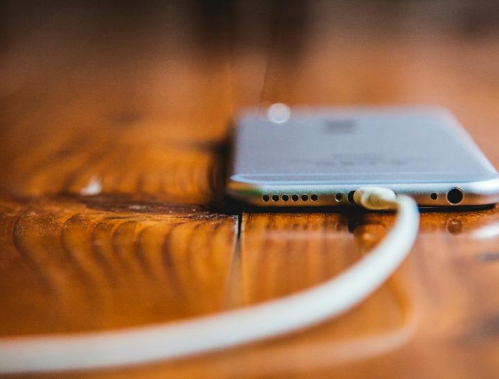 iphone cord istock crop