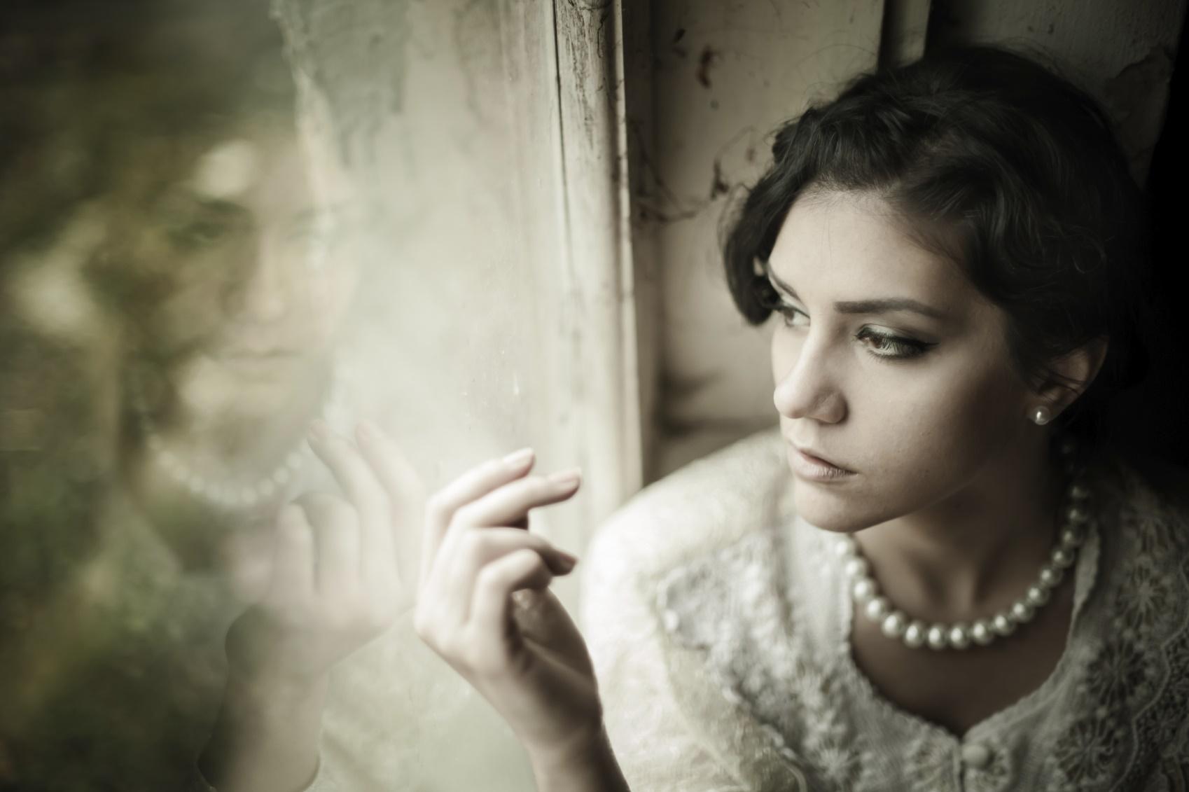 sad lonely bride